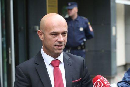 """""""TEGELTIJA DA RAZMOTRI PODNOŠENJE OSTAVKE""""   VSTS na sjednici usvojio tri zaključka"""
