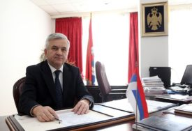 Čubrilović: Dogovor bošnjačkih partija NE ZNAČI NIŠTA, rješenja treba tražiti za sva 3 naroda