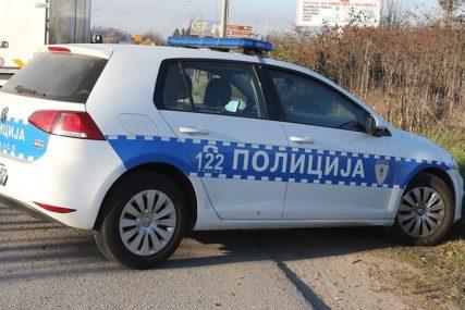 PIJAN PREVRNUO AUTO Jedna osoba povrijeđena u nesreći kod Mrkonjić Grada