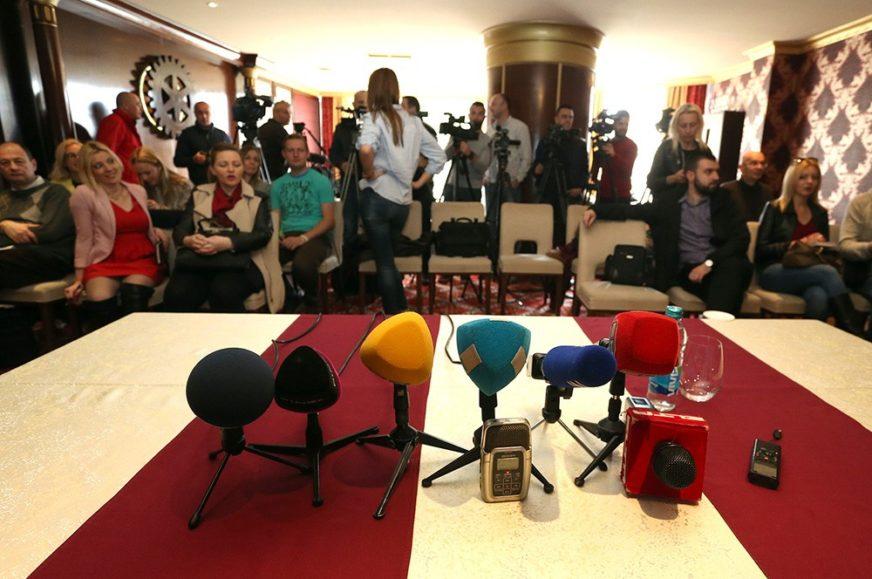 Trula atmosfera i lažne vijesti GURAJU MEDIJE U BLATO: Kako je novinarstvo u BiH IZGUBILO POVJERENJE građana