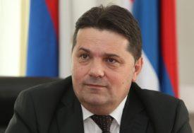 """STEVANDIĆ ČESTITAO VIDOVDAN """"Neka nam je srećna krsna slava VRS"""""""