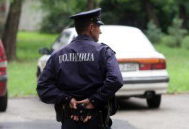 """TEŠKA NESREĆA U sudaru """"mercedesa"""" i školskog autobusa četiri osobe povrijeđene, među njima DVOJE DJECE"""