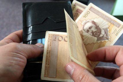 Prosječna decembarska plata u BiH 988 KM