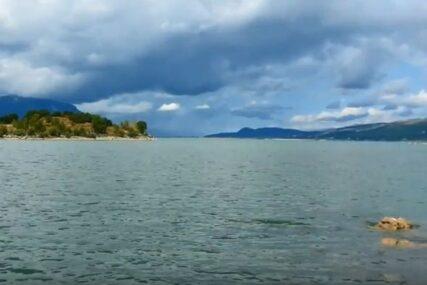 Pomor ribe u Buškom jezeru, na teren inspektori