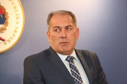 """MEKTIĆ SE OGLASIO NA TVITERU """"Slučaj o ikoni je već u potpunosti zataškan"""""""