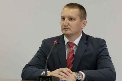 Da li će Grubeša OSTATI BEZ FOTELJE: Pred Parlamentom BiH zahtjev za još jednu smjenu u Savjetu ministara