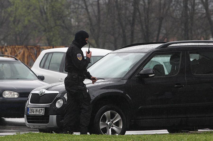 Pretresi na području Kantona Sarajevo: Uhapšena jedna osoba, pronađena droga i oružje