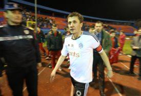 SJAJAN GEST Proslavljeni fudbaleri podržali humanitarnu akciju za pomoć malom Gavrilu (FOTO)
