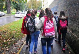STOTINE UČENIKA I NASTAVNIKA U KARANTINU Veliki broj oboljelih, nakon samo dvije nedjelje od polaska u školu