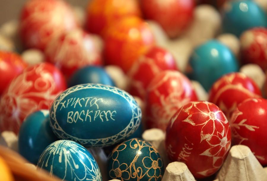 I ESTRADA SLAVI VASKRS Šarena jaja, zeke i pokloni, a jedna dekoracija je svima ZAPALA ZA OKO (FOTO)