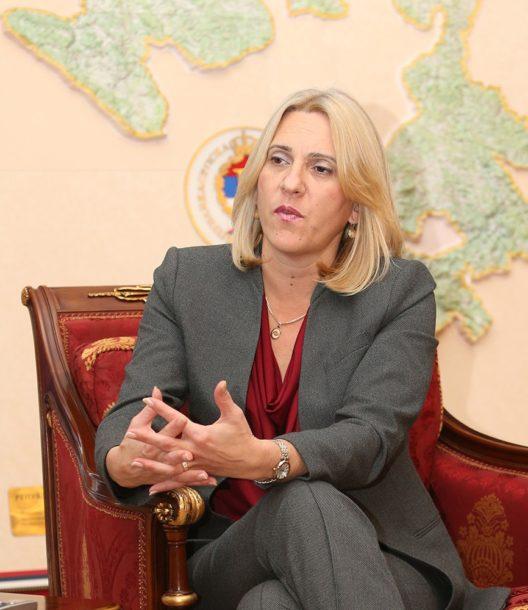 Cvijanović: Da li će građani Čaviću da oproste lažni izvještaj o Srebrenici?