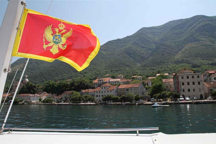 Crna Gora: U moru pronađeno više od 1,3 tone marihuane