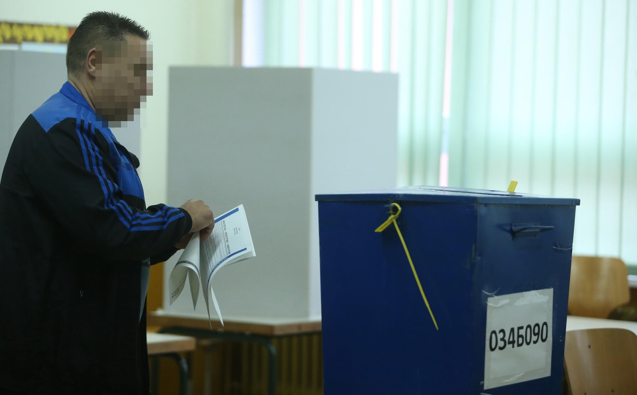 PARLAMENTARNI IZBORI U HRVATSKOJ Velike gužve na biralištima u Mostaru