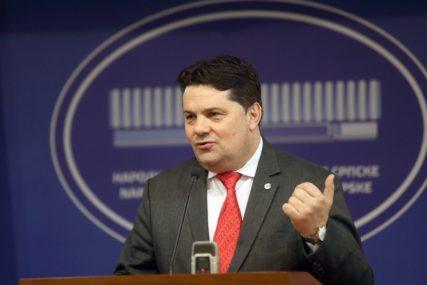 """""""NE POŠTUJE ODLUKE NSRS"""" Stevandić istakao da Crnadak ima isti stav o članstvu u NATO kao i Izetbegović"""
