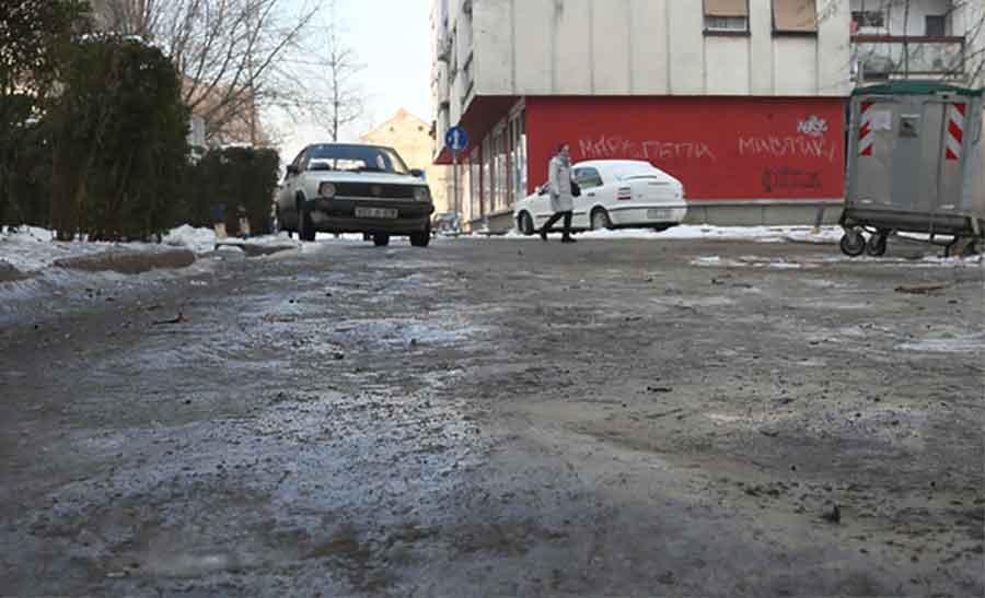 VOZAČI, SMANJITE GAS! Putevi u BiH mjestimično klizavi