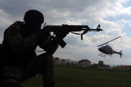 MJEŠTANI ODAHNULI Vojska Srbije već intervenisala u Šidu, migranti vraćeni u prihvatne centre