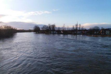 Most kod Mostara poplavljen, u Ljubuškom proglašeno vanredno stanje