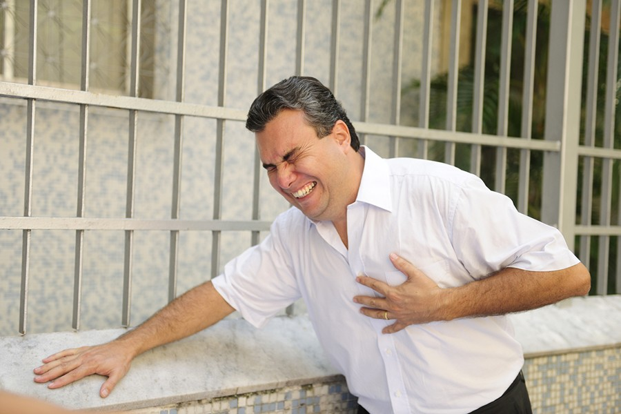 Od alkohola, cigareta i stresa BJEŽATI ŠTO DALJE: Bolesti srca u Srpskoj dnevno ODNESU 20 ŽIVOTA