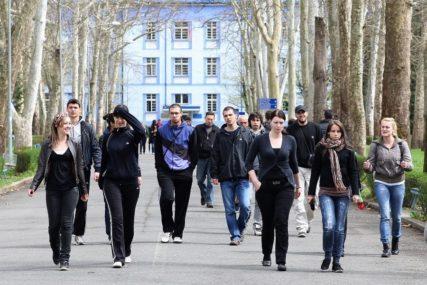 PODRŠKA RAJČEVIĆU STIŽE OD STUDENATA Dokaz da se vraća vjera mladih u kvalitet JAVNIH UNIVERZITETA