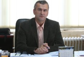 NAČELNIK KOTOR VAROŠA OSUMNJIČEN ZA ZLOUPOTREBE Oštetio budžet za 185.000 MARAKA