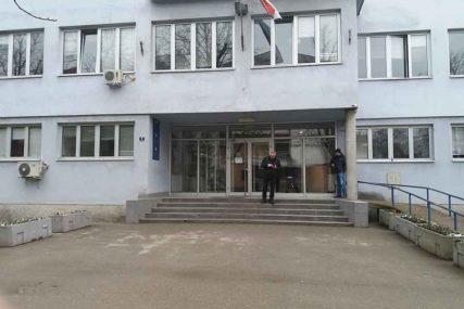 USKRATIO PRAVA RADNIKA Vlasnik radnje u Novom Gradu osumnjičen za više krivičnih djela
