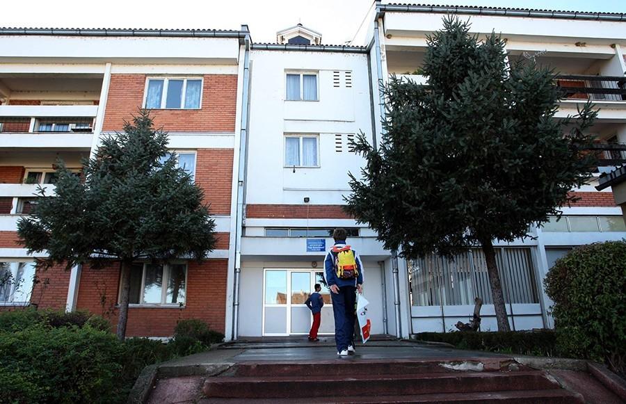 """BICIKLA ZA ŠTIĆENIKE DOMA """"RADA VRANJEŠEVIĆ"""" Direktor trke """"Beograd - Banjaluka"""" obradovao mališane"""