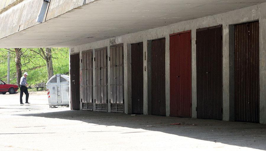 Raspisan oglas: Grad nudi u zakup 31 garažu