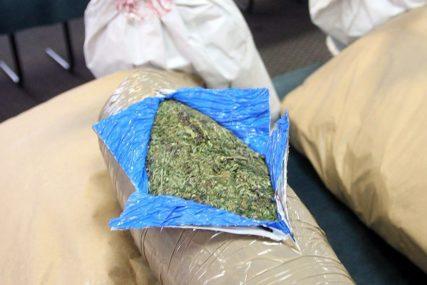 TVRDI DA NE ZNA ODAKLE DROGA U NJEGOVOM KAMIONU Muškarac uhapšen sa 54 kilograma marihuane