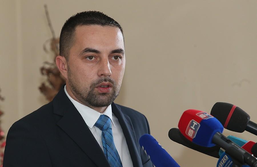 BORIS JERINIĆ ZA SRPSKAINFO Govedarica se obračunava sa konkurentima i neistomišljenicima u stranci