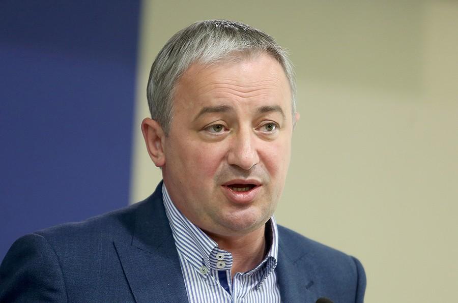 """""""SRPSKU SLAVITI SVAKODNEVNO"""" Borenović čestitao građanima Dan Republike"""