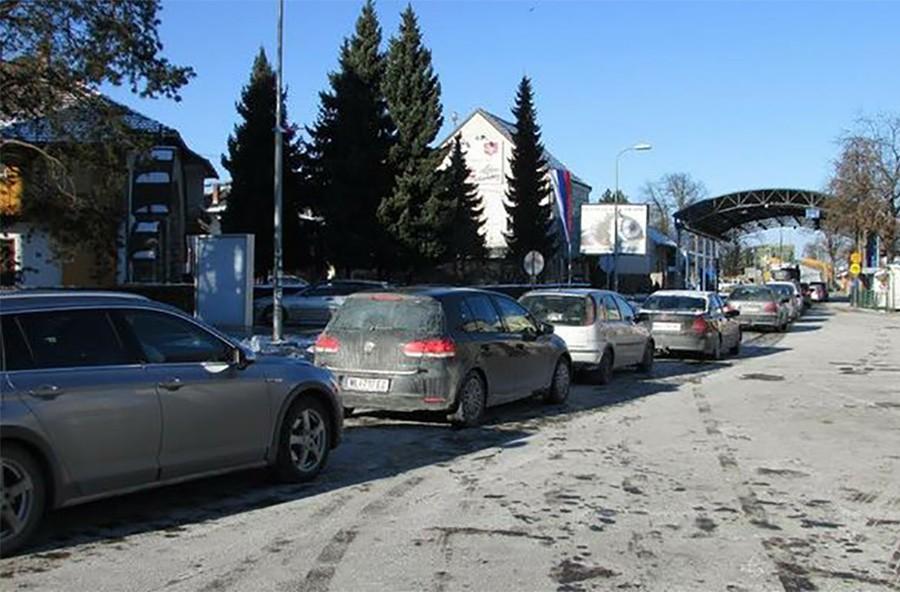 Vozači, obratite pažnju: Gužve na graničnim prelazima Gradiška, Velika Kladuša i Orašje
