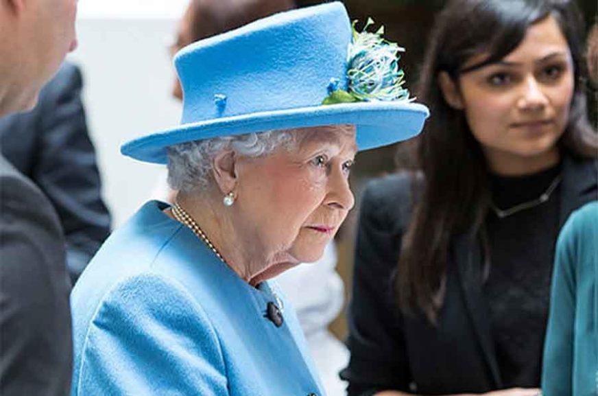 RJEŠENJE ZA BREGZIT? Iako to želi da izbjegne, izgleda da će kraljica morati da IZABERE STRANU