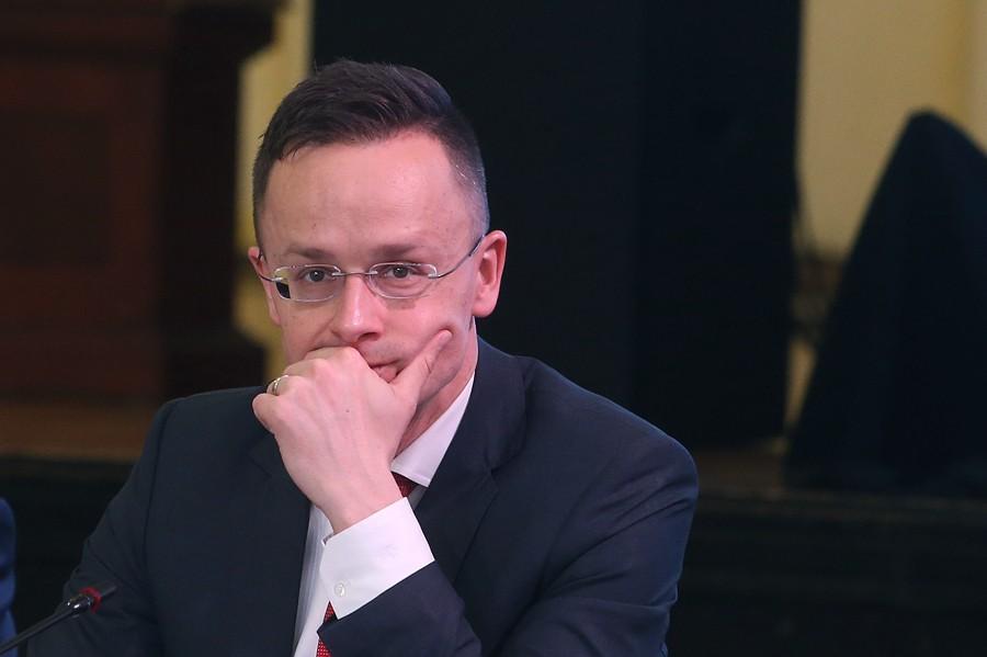 Šef diplomatije Mađarske: Zbog tromosti EU okrenuli smo se nabavci ruske vakcine
