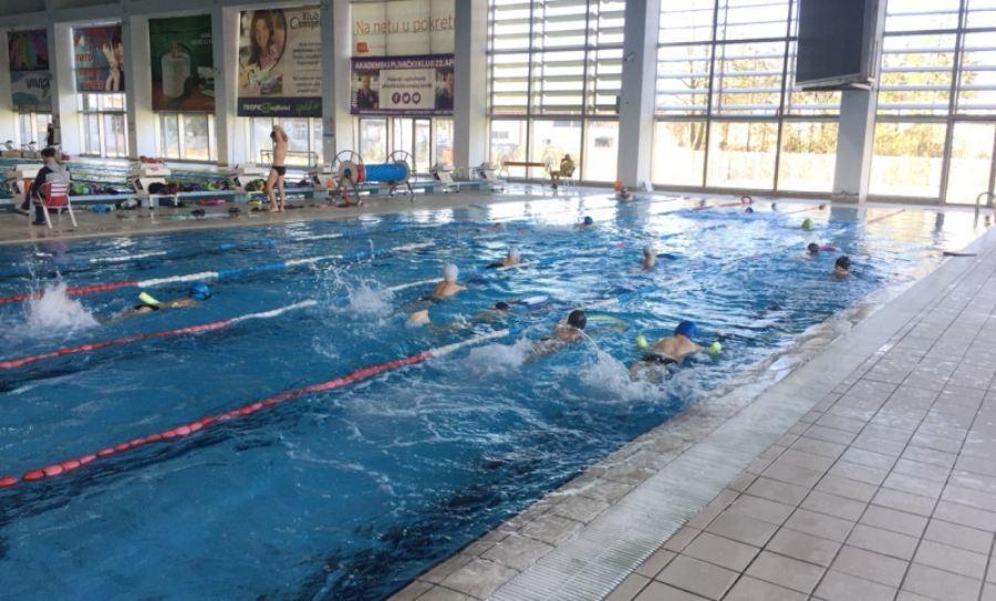 Besplatna obuka za osnovce, plivati naučilo 388 đaka