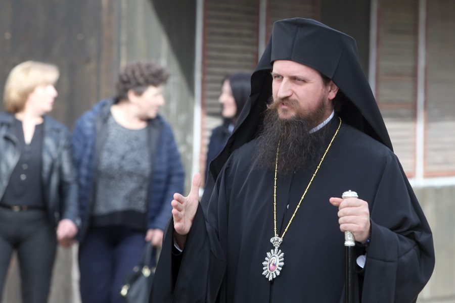Episkop Sergije: Trava do koljena u Jasenovcu je metafora našeg zaborava