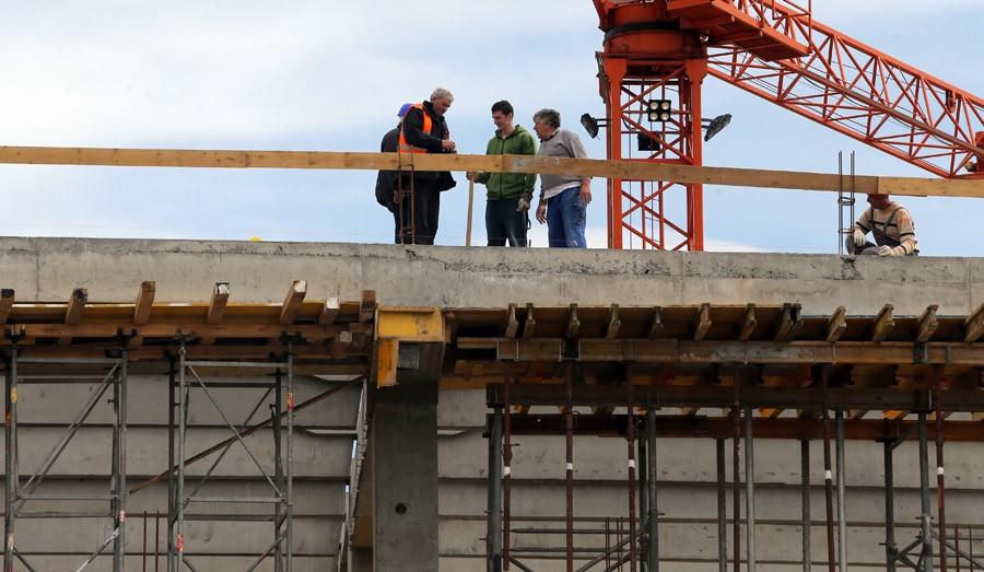 OTPORAN NA VATRU Građevinski materijal može da izdrži PLAMEN od približno 1.300 stepeni