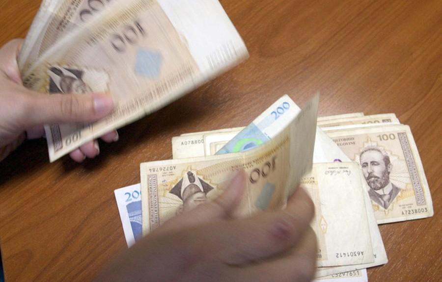 PROSJEČNA OKTOBARSKA PLATA 964 KM Najbolje plaćeni bankari, najlošije građevinari