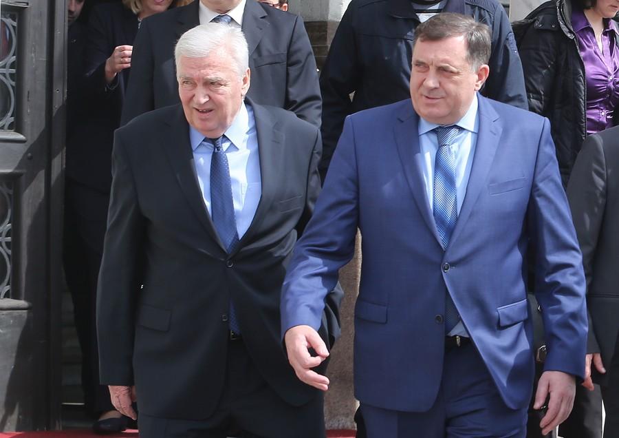 """""""DOĆI ĆU NA SASTANAK"""" Pavić iz bolnice poručio da će razgovarati sa Dodikom"""