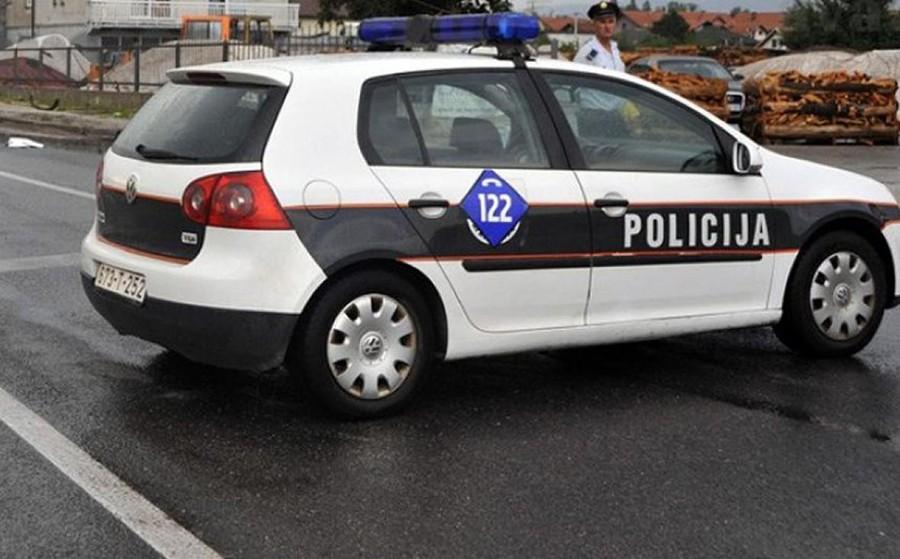INCIDENT TOKOM REDOVNE KONTROLE Vrijeđao i omalovažavao policajce, pa završio sa lisicama