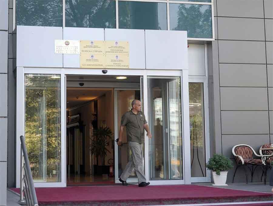 """""""CRNA LISTA"""" Najveći duguju 841 milion KM poreza i doprinosa"""