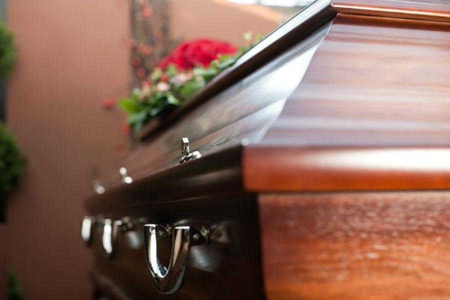 Jedni krali sanduke, drugi ih preprodavali: Četvoro uhapšenih zbog malverzacija sa pogrebnom opremom