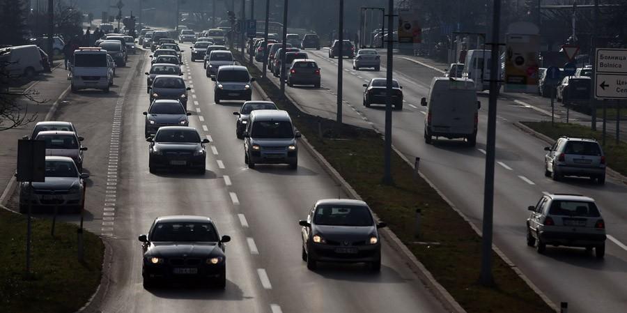Gradski oci mole za razumijevanje: Zbog izgradnje kružnog toka u Rebrovcu i spajanja istočnog tranzita između Obilićeva i Starčevice GUŽVE U SAOBRAĆAJU