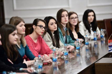 Za srednjoškolce uplaćene dvije stipendije, studenti na redu u martu