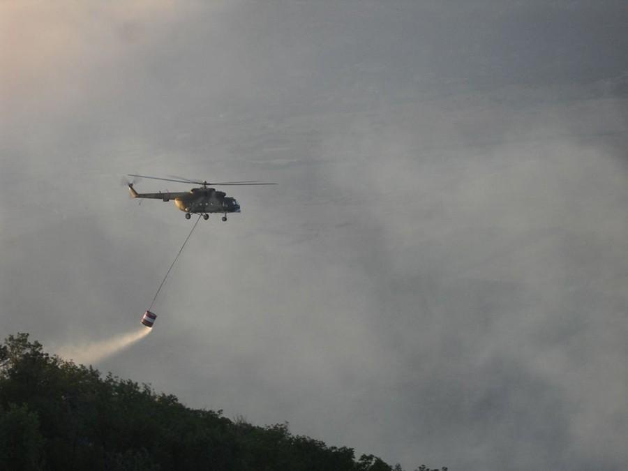 SRUŠIO SE HELIKOPTER Prilikom gašenja požara stradao pilot koji je upravljao letilicom