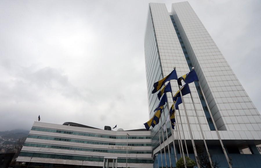 KO KAŽE DA NEMA POSLA Institucije BiH u avgustu zaposlile još 8 državnih službenika
