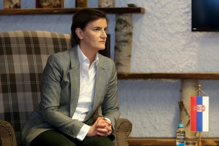 """""""OTVARANJE PANDORINE KUTIJE"""" Brnabićeva tvrdi da je deklaracija SDA IZUZETNO OPASNA"""