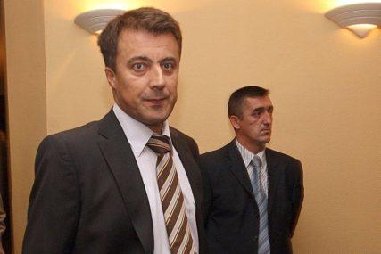 Oduzima mu se 1,7 miliona KM imovine: Bivši direktor UIO Kemal Čaušević osuđen na DEVET GODINA ZATVORA