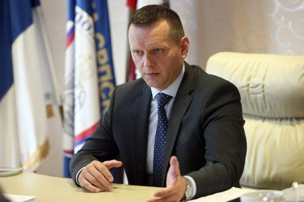 """""""GRAĐANI NEMAJU RAZLOGA ZA BRIGU"""" Lukač poručio da je cilj POTPUNA KONTROLA kretanja migranata kroz Srpsku"""