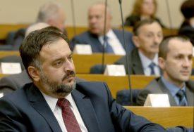 SNSD NEĆE SA PDP I SDS Žunić: Formiranje Antikoruptivnog kluba je prikupljanje političkih poena