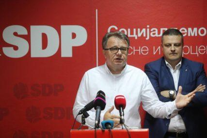 Nikšić pozvao Incka da USKRATI PRIMANJA svim funkcionerima koji blokiraju rad institucija BiH